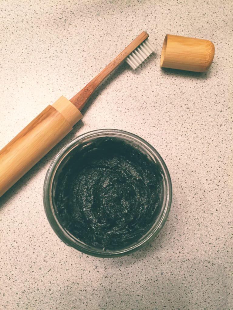 14 Zero Waste Essentials: Toiletries to DIY | DIY Toothpaste